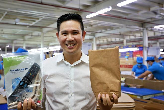 Tập đoàn điện tử nào tiên phong thay toàn bộ bao bì bằng giấy tái chế? - 4