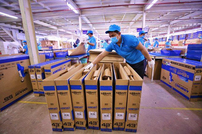 Tập đoàn điện tử nào tiên phong thay toàn bộ bao bì bằng giấy tái chế? - 3