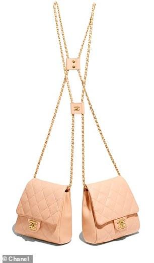Chanel lăng xê xu hướng túi theo cặp gây sốt - 4