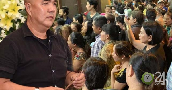 Sao Việt bức xúc với đội quân livestream gây bát nháo ở đám tang NS Anh Vũ