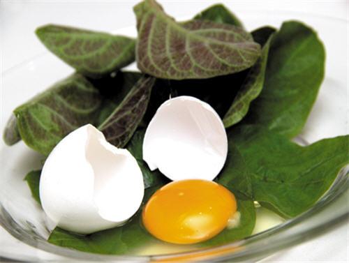 8 món ngon giúp trị bệnh từ trứng gà - 1