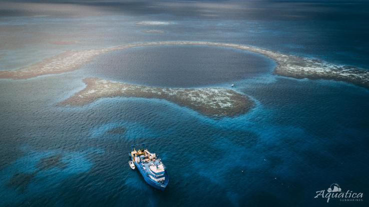 Khám phá hố sâu lớn nhất thế giới giữa đại dương, bất ngờ thấy 2 thi thể người - 1