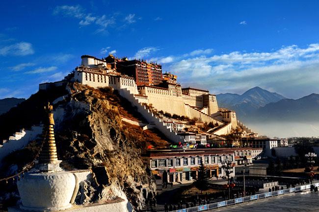 Cung điện Potala: Biểu tượng của Phật giáo Tây Tạng - 1