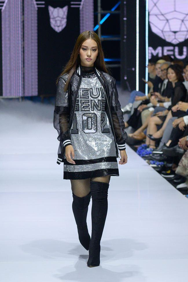 Viễn cảnh tương lai kỳ ảo trong show khai màn Tuần thời trang quốc tế Việt Nam - 11