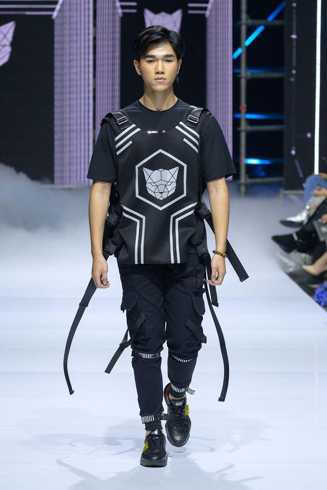 Viễn cảnh tương lai kỳ ảo trong show khai màn Tuần thời trang quốc tế Việt Nam - 13