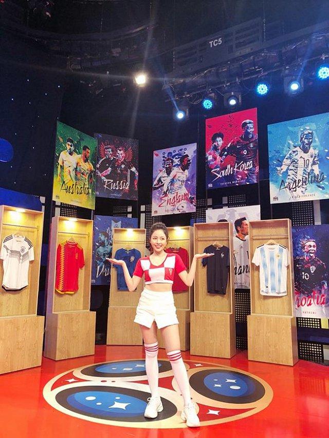 Sau 1 năm, Trâm Anh và dàn hot girl World Cup thay đổi chóng mặt - 4