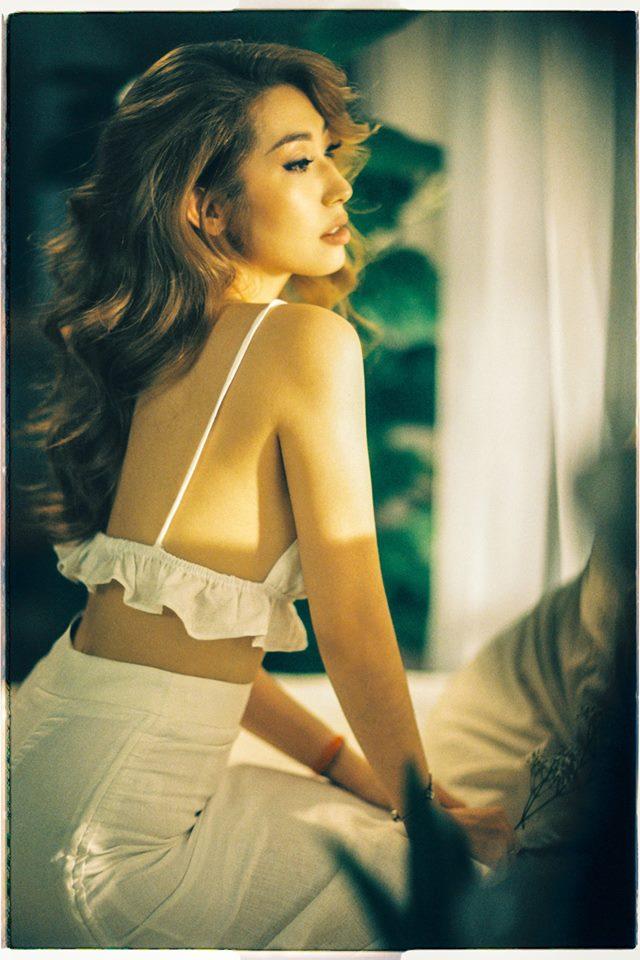 Khổng Tú Quỳnh tiết lộ lý do mặc sexy sau nhiều năm kín đáo