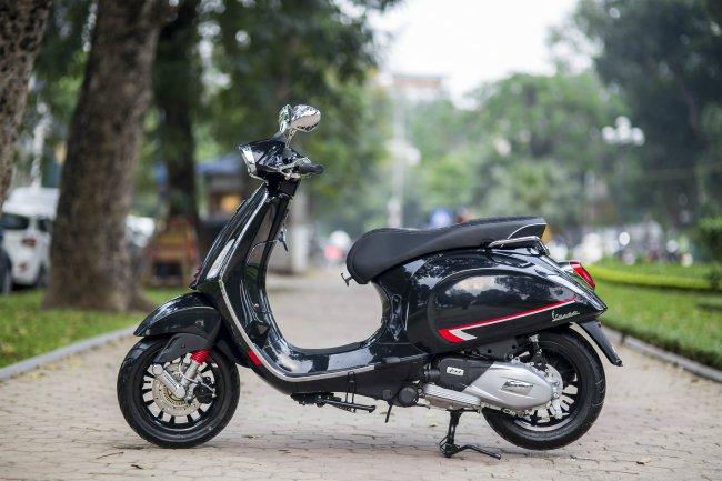Tuyệt đẹp 2019 Vespa Sprint S đen Bóng Honda Sh Mode Ghen Tị