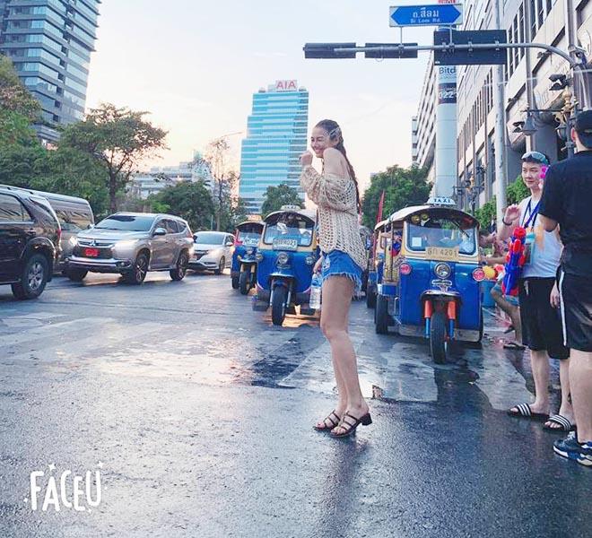 Khánh Phương, Hồng Quế... mặc gì đi hội té nước Thái Lan? - 12