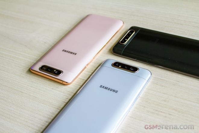 Trên tay Galaxy A80 - Smartphone trượt camera đầu tiên của Samsung - 1