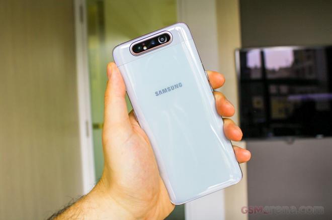 Trên tay Galaxy A80 - Smartphone trượt camera đầu tiên của Samsung - 9