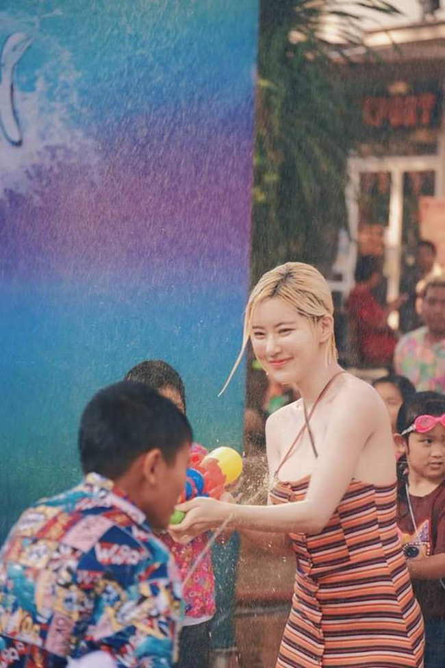 Lễ hội té nước ở Thái Lan (hay còn gọi là Tết Songkran) mỗi năm luôn thu hút sự tham gia của rất nhiều du khách trên toàn thế giới.
