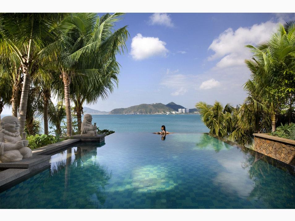 Top những bể bơi vô cực đẹp nhất châu Á có cả nơi này của Việt Nam - 1
