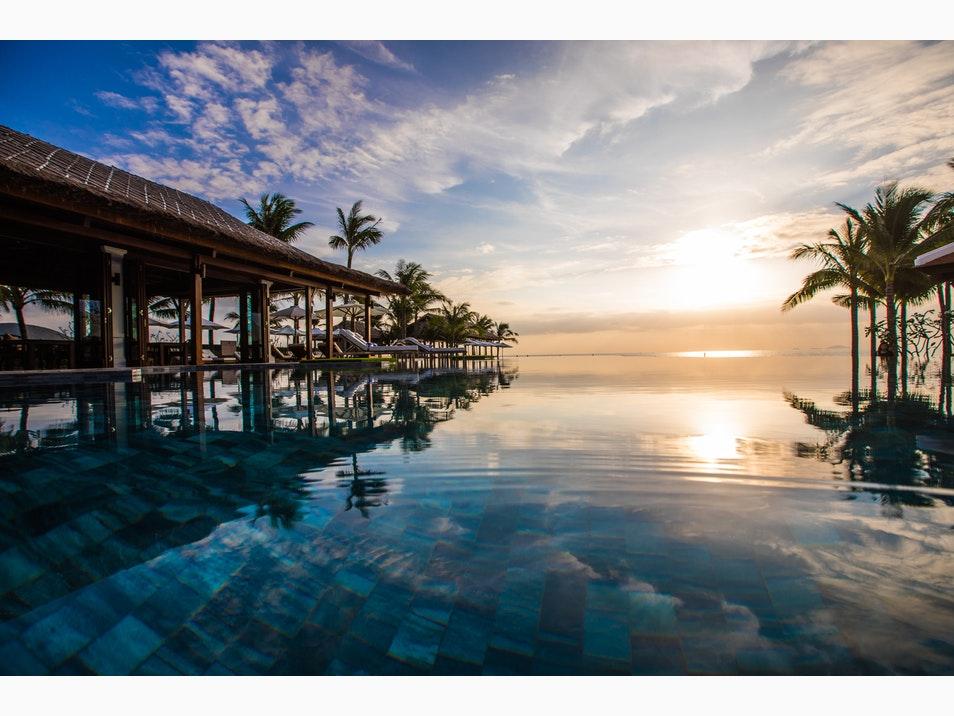 Top những bể bơi vô cực đẹp nhất châu Á có cả nơi này của Việt Nam - 7