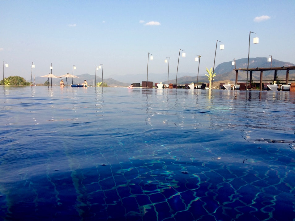 Top những bể bơi vô cực đẹp nhất châu Á có cả nơi này của Việt Nam - 5