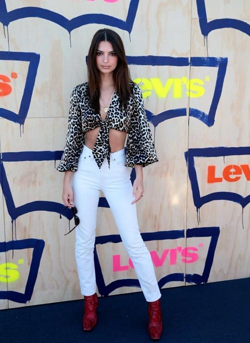 5 xu hướng quần jeans đẹp đang đợi bạn khám phá - 8