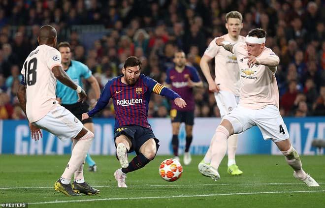 """Juventus thua sốc Cúp C1: Ronaldo dễ """"hít khói"""" Messi đua Bóng vàng - 2"""