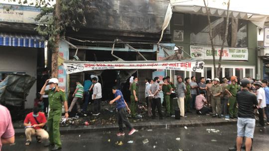 3 người chết trong cửa hàng bị cháy - 1