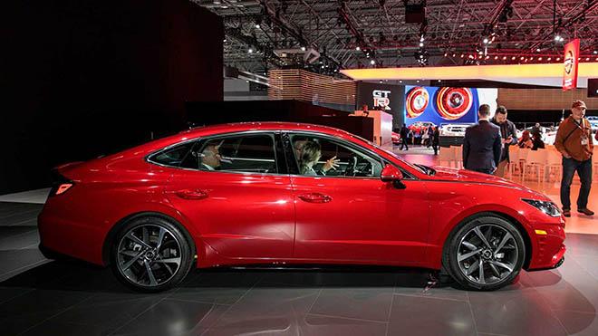 """Hyundai Sonata thế hệ thứ 8, sự """"lột xác""""  đầy trầm trồ về thiết kế và công nghệ - 2"""