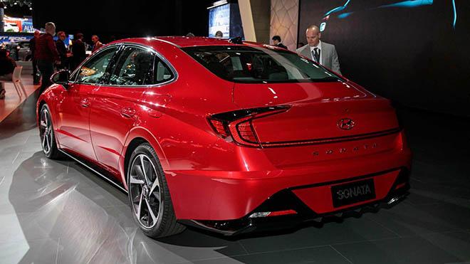 """Hyundai Sonata thế hệ thứ 8, sự """"lột xác""""  đầy trầm trồ về thiết kế và công nghệ - 3"""