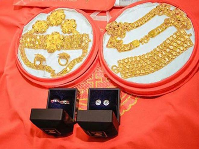 Cô dâu 19 tuổi được tặng 13 cây vàng và gần 1 tỷ đồng sính lễ - 2