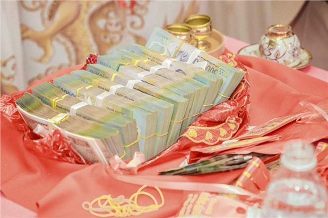 Cô dâu 19 tuổi được tặng 13 cây vàng và gần 1 tỷ đồng sính lễ - 3