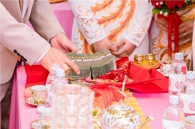 Cô dâu 19 tuổi được tặng 13 cây vàng và gần 1 tỷ đồng sính lễ - 6