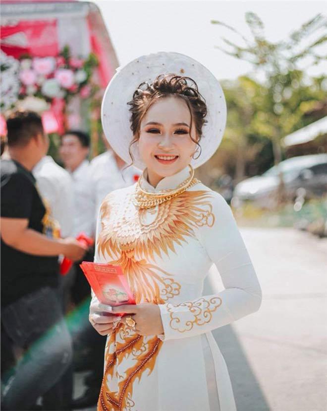 Cô dâu 19 tuổi được tặng 13 cây vàng và gần 1 tỷ đồng sính lễ - 4
