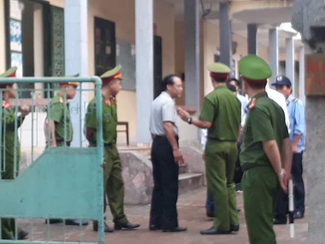 Xử kín vụ cựu Phó phòng Cảnh sát Kinh tế và 3 doanh nhân xâm hại nữ sinh lớp 9 - 3