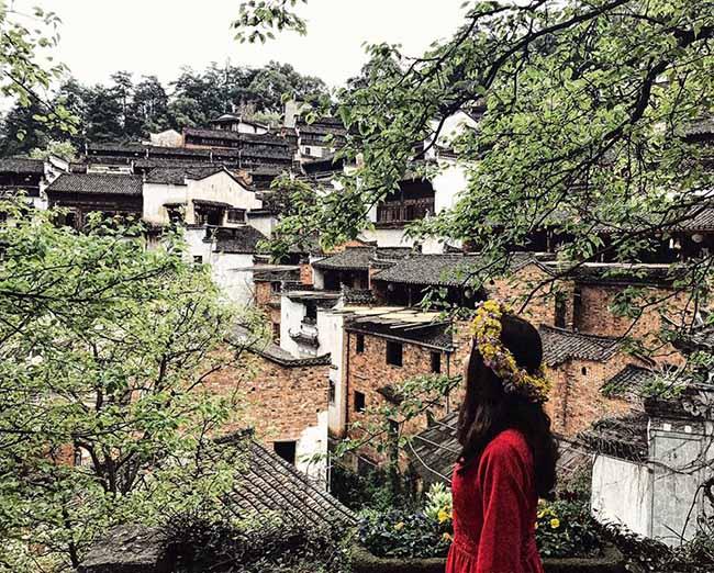Đâu chỉ có Phượng Hoàng cổ trấn, Trung Quốc còn có Vụ Nguyên đẹp như một giấc mơ - 1