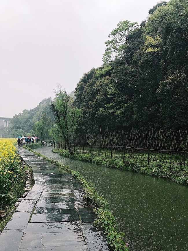 Đâu chỉ có Phượng Hoàng cổ trấn, Trung Quốc còn có Vụ Nguyên đẹp như một giấc mơ - 10