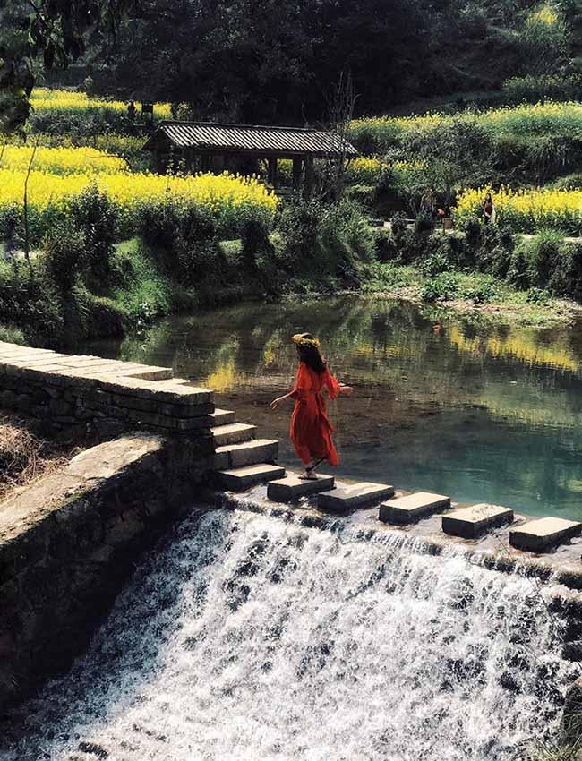 Đâu chỉ có Phượng Hoàng cổ trấn, Trung Quốc còn có Vụ Nguyên đẹp như một giấc mơ - 11