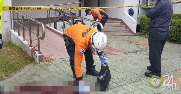 Bực tức vì bị chậm lương, người đàn ông đốt luôn chung cư, đâm chết 5 người