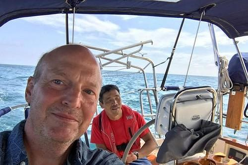 Thủy thủ mù gần 2 tháng ròng lênh đênh trên Thái Bình Dương - 2
