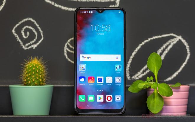 """Top smartphone tầm trung """"lên kệ"""" trong tháng 4 - 2"""