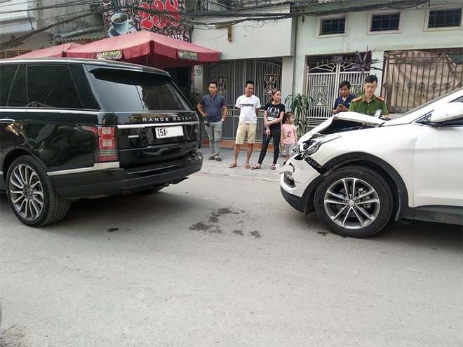 Pha đụng độ khá mạnh trên phố giữa Range Rover và Hyundai Santa Fe cùng cái kết đầy bất ngờ - 1