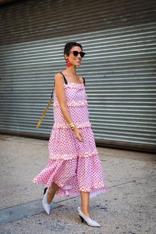 Diện 4 kiểu váy đẹp này, nắng nóng mấy cũng chẳng ngại - 3