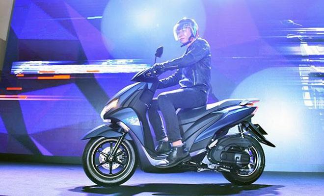 So găng Yamaha FreeGo - Honda Air Blade: Cuộc chiến giành ngôi vương - 1