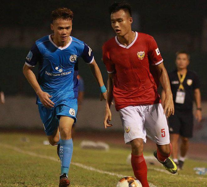 Siêu kịch tính bóng đá Việt Nam: Dẫn 3-0 vẫn mất điểm vì 2 thẻ đỏ - 1
