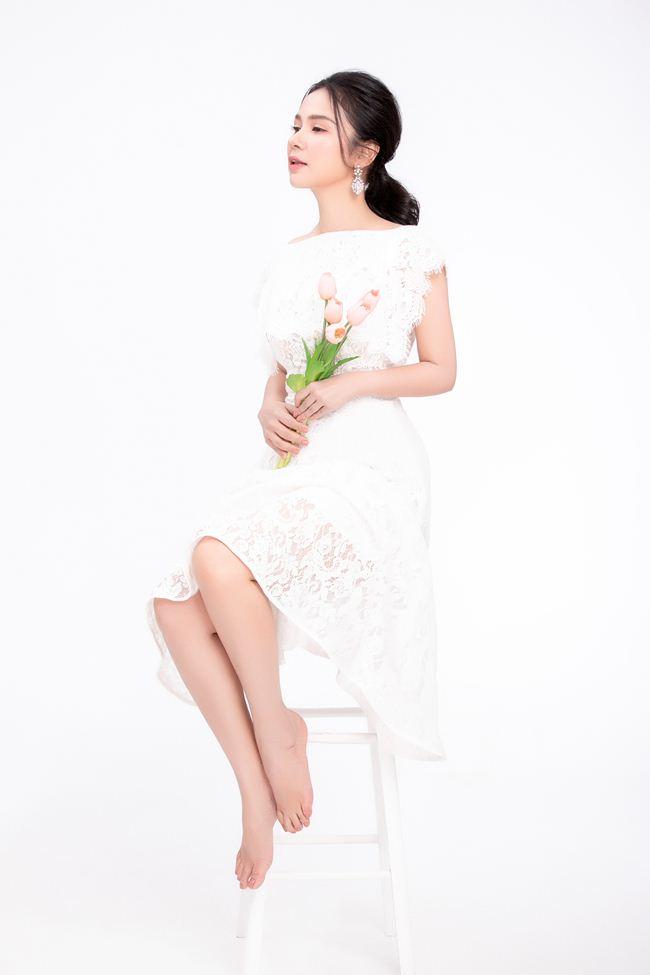 """""""Nữ hoàng ảnh lịch"""" Việt Trinh khoe vẻ nõn nà, đẹp đỉnh cao ở tuổi 47 - 2"""