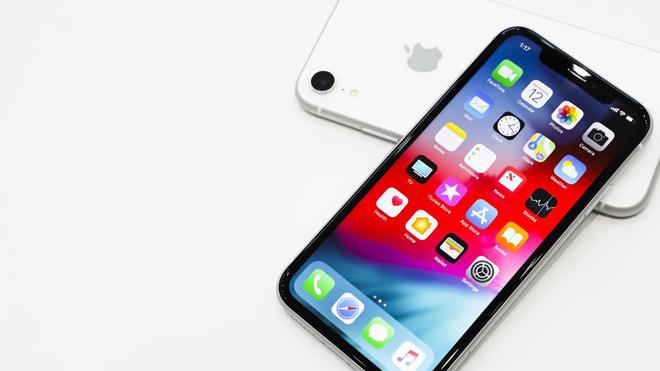 """Sốc: CEO của Apple khuyên người dùng bớt """"nghiện"""" iPhone - 2"""