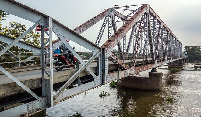 Ngắm cây cầu cấu trúc thép Eiffel hơn 100 tuổi nối đôi bờ sông Sài Gòn đang bị khai tử - 2
