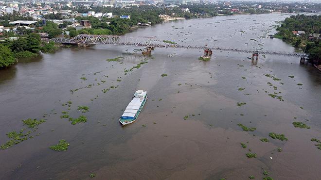 Ngắm cây cầu cấu trúc thép Eiffel hơn 100 tuổi nối đôi bờ sông Sài Gòn đang bị khai tử - 10