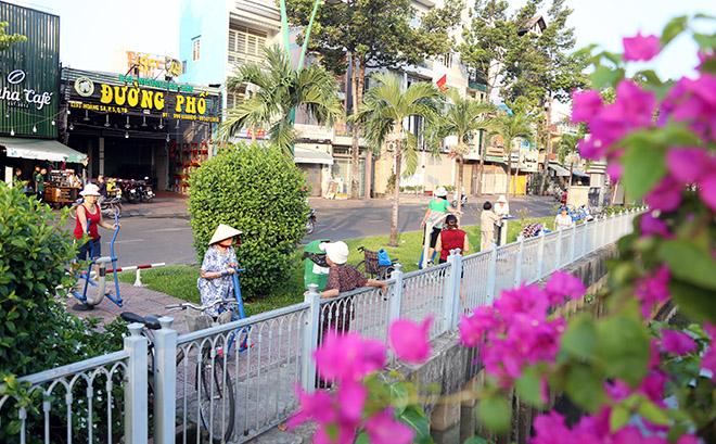 """Người dân """"rủ nhau đi trốn"""", đường phố Sài Gòn yên bình, thông thoáng đến lạ - 10"""
