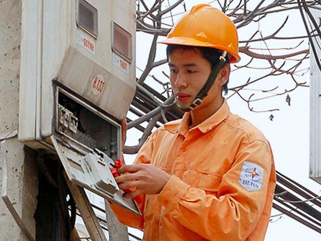 """PGS.TS Ngô Trí Long: """"Biểu giá điện 6 bậc có lợi cho ngành điện"""" - 3"""