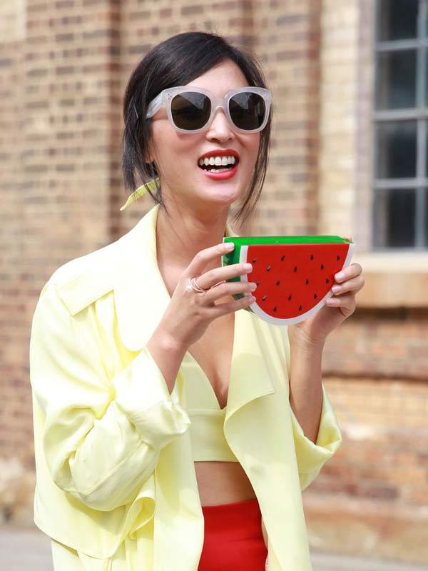 Thời trang mùa hè không thể rực rỡ hơn với đủ món trái cây nhiệt đới - 13
