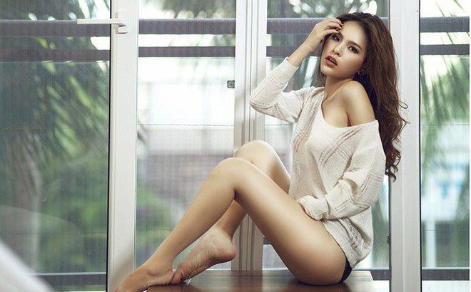 """Phong cách gợi cảm từ nhà ra phố của """"Thánh nữ Mì Gõ"""" Phi Huyền Trang - 10"""