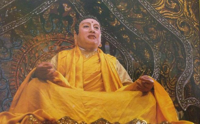 Kỳ lạ diễn viên đóng Phật tổ trong Tây Du Ký được quỳ lạy khi đi trên phố - 1