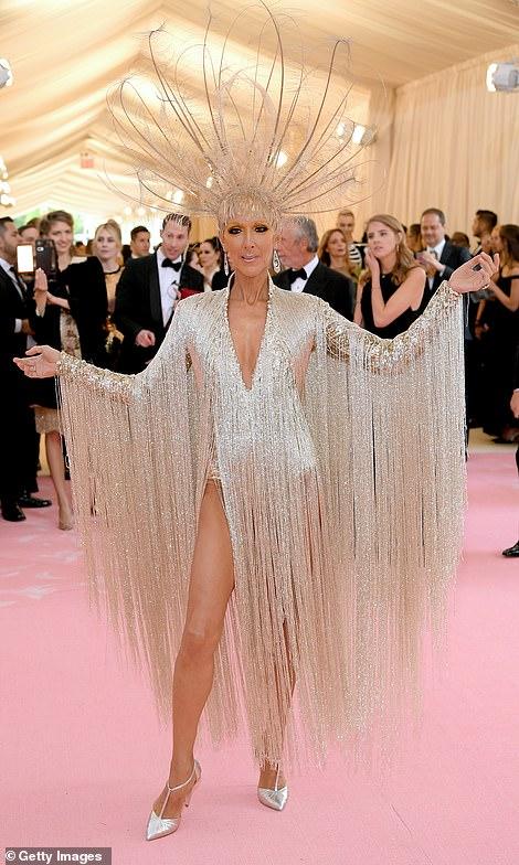 """Những bộ cánh ấn tượng của """"đại hội thời trang chặt chém nhất năm"""" - 9"""