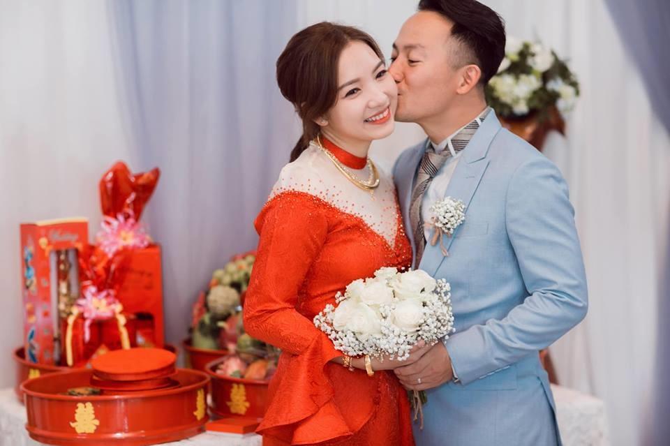 Vợ 9x của rapper Tiến Đạt bất ngờ chia sẻ chuyện mang thai sau 5 tháng cưới